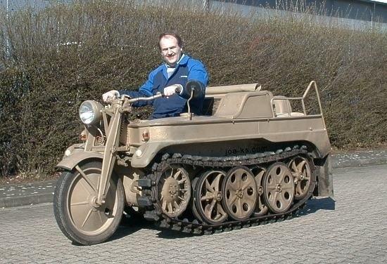 Gambar-Modifikasi-Motor-Aneh-Unik-tank-baja